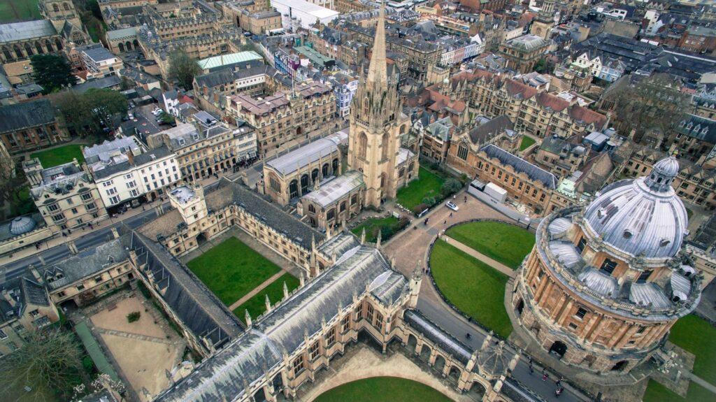 At A Glance: Oxford Gap Year Term Dates